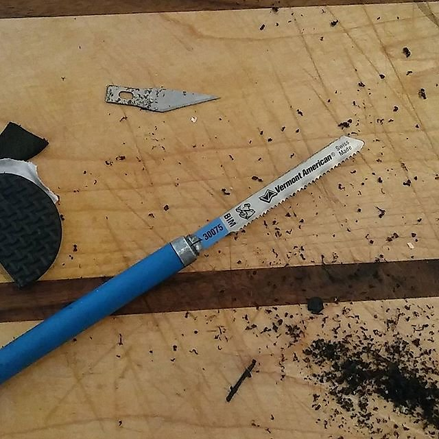 Xacto hack for a handheld jigsaw blade